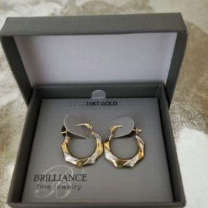 10KT Gold Earrings. Brand New for Sale in McKinney, TX