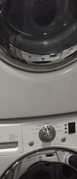 Washer Dryer Steam Electric Set Whirlpool Stackable LG Warranty for Sale in Vancouver,  WA