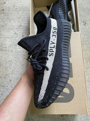Adidas yeezy boost 350 v2 Oreo for Sale in Alexandria, VA