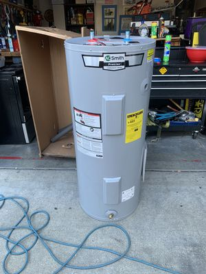 AO Smith 40 gallon electric water heater for Sale in Tacoma, WA