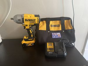 NEW DEWALT 1/2 IMPACT WRENCH (1200 torque ) for Sale in Bellwood, IL