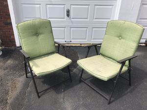 2 green pillowed comfortable outdoor/indoor patio furniture chairs. (Foldable) for Sale in Yonkers, NY