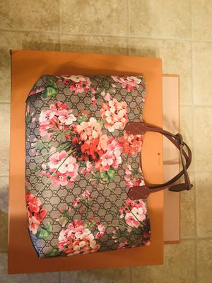 Gucci GG Blooms Reversible Tote for Sale in Fairfax, VA