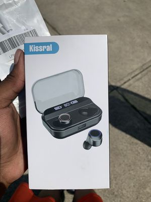 Brand new wireless earbuds for Sale in Eastlake, OH