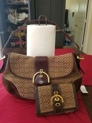 UGC Coach logo purse and wallet bundle for Sale in Lincoln Acres, CA