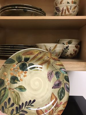 Dinner dishes for 6 (missing a bowl) for Sale in Carrboro, NC