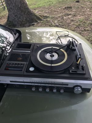 Vintage Sanyo GXT-4504 Stereo Receiver Turntable AM/FM Radio Tape Player for Sale in Rockmart, GA