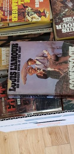 Louis L'Amour Western Paperbacks for Sale in Puyallup,  WA