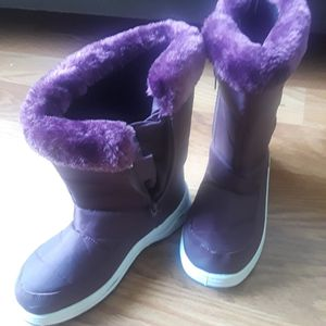 snow boots for Sale in Kissimmee, FL