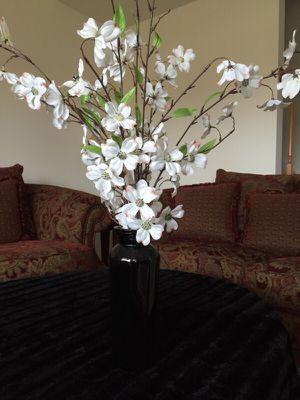Flower vase for Sale in Ashburn, VA
