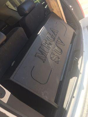 Sonido para escalade tahoe Yukón for Sale in Saginaw, TX