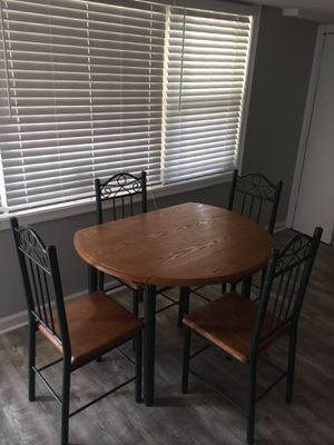 Classic four Seat Kitchen Table for Sale in Baltimore, MD