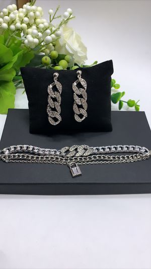 European Style Multilayer Pendant Crystal Chunky Chian Bracelet and Earrings, Silver Color for Sale in Los Angeles, CA