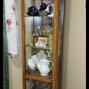 Curio Cabinet for Sale in Portland, OR