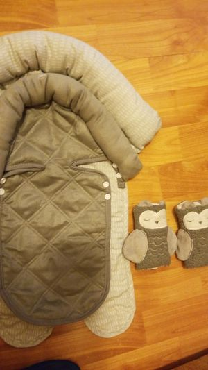 Eddie bauer baby 2 in 1 head support for car seats, stollers for Sale in Sumner, WA