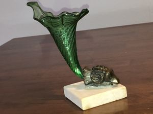 BEAUTIFUL ANTIQUE CORNUCOPIA GREEN GLASS VASE ON BRONZE RAMS HEAD MARBLE BASE for Sale in The Bronx, NY