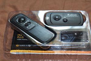Vello FreeWave Plus Wireless Remote Shutter Release - 2.4GHz (for Canon) for Sale in Seattle, WA