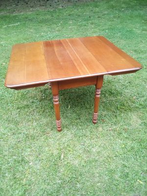Classic Antique Folding Dining Room Table for Sale in Marietta, GA