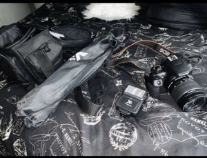 Digital camera with multiple accessories for Sale in Houston, TX