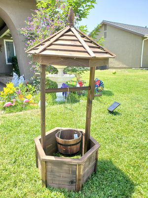 New wishing well planter brand new garden decor for Sale in Rancho Cucamonga, CA