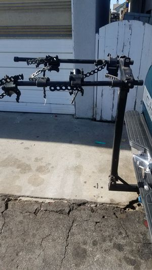 3 bike tow hitch carrier for Sale in Whittier, CA
