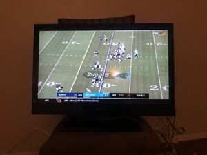 32 inch FLAT Screen TV. for Sale in Dallas, TX