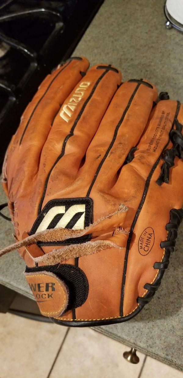 """14"""" left Lefty baseball softball glove broken in"""