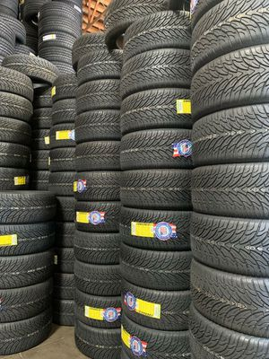 265 35 22 BRAND NEW SET OF TIRES for Sale in Mesa, AZ