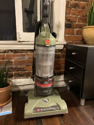 Hoover Windtunnel Hepa Filter Vacuum for Sale in Los Angeles, CA