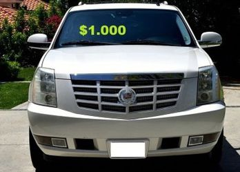 (0_0)💚$10OO URGENT I sell my car 2OO8 Cadillac Escalade Suv Runs and drives good! CLEAN TITLE.❤️🔑🔑 for Sale in Fort Lauderdale,  FL