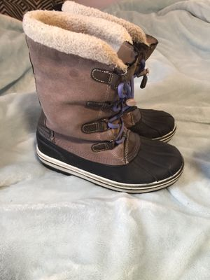 Girls winter snow boots for Sale in Steelton, PA