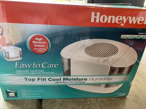 Honeywell Cool Moisture Humidifier for Sale in Las Vegas, NV