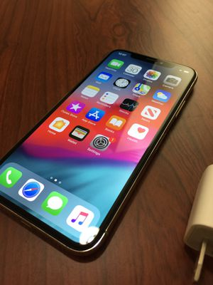 Silver iPhone X 64GB AT&T (almost brand new, no scratches) for Sale in Clinton Township, MI