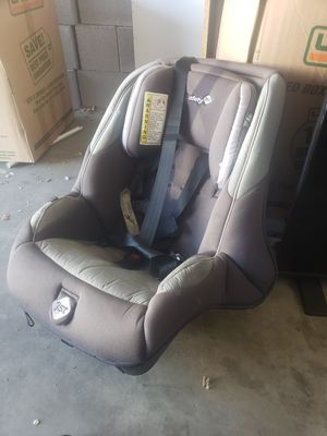 Safety 1st rear facing car seat for Sale in Phoenix, AZ