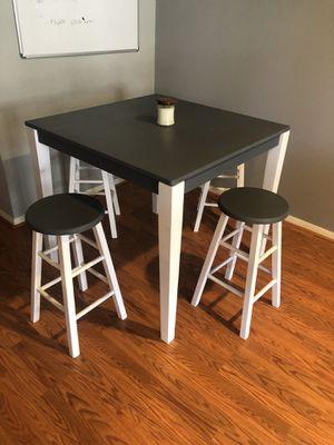 Wood table & stools for Sale in Woodbridge, VA