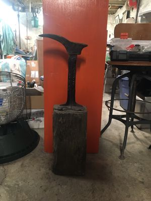 VINTAGE 1890 PATENT CAST IRON COBBLER STAND SHOE Wood Block for Sale in Pittsburgh, PA