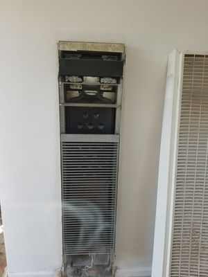 Williams Wall Heater for Sale in Fresno, CA