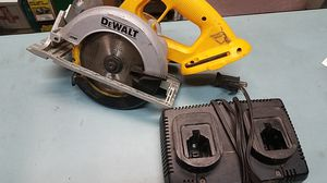"Dewalt DC390 6-1/2"" Cordless Circular Saw & DW9216 Dual Port 1-Hour Charger for Sale in Los Angeles, CA"