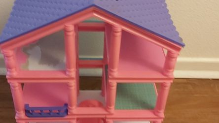 Kid Connection 3-Story Dollhouse for Sale in San Diego,  CA