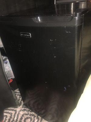 Emerson mini fridge for Sale in Dallas, TX