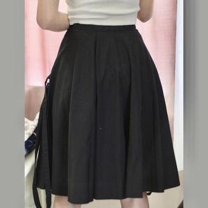 Burberry black Y2K pleated skirt! for Sale in Grand Rapids, MI