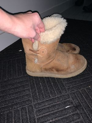 Uggs size 8 for Sale in South Milwaukee, WI