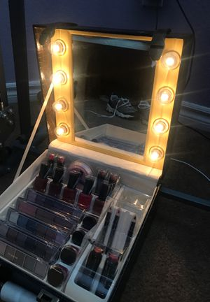 Makeup vanity box for Sale in Fontana, CA