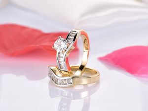 💍18K Gold plated Engagement/Wedding 👰Ring Set for Sale in Miami, FL