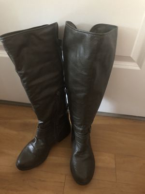 insulated women's boots, size 8 for Sale in Braintree, MA