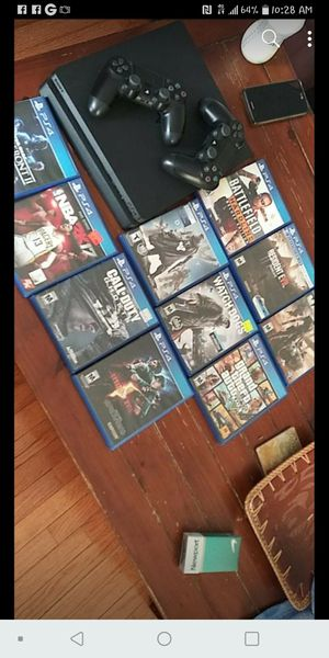 PS4 Slim 4GB for Sale in Chicago, IL