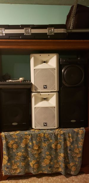 4 speakers 2 ev 2 Samson and power mixer for Sale in Nicholasville, KY