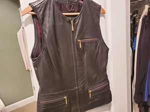 Shapely Women's Leather Vest for Sale in Atlanta, GA