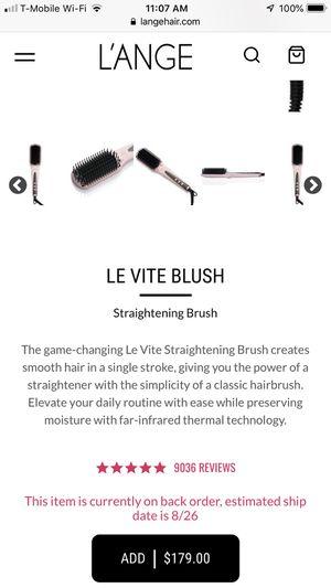 Le vite hairbrush straightener for Sale in Snellville, GA