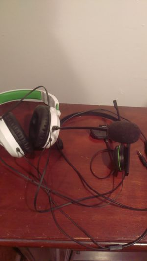 Xbox one headsets sold separate for Sale in Londonderry, NH